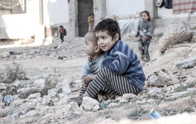 Фото: у Сирії півмільйона дітей майже повністю відрізані від світу