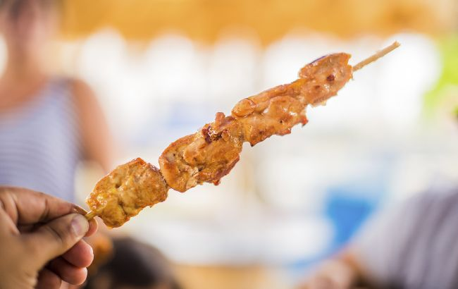 Дієтолог розповіла, кому не можна їсти шашлик: важливо знати