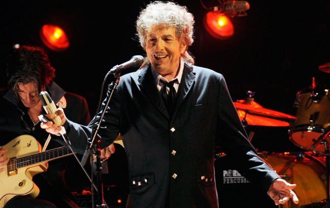 Фото: Боб Дилан до сих пор не связался с Нобелевским комитетом