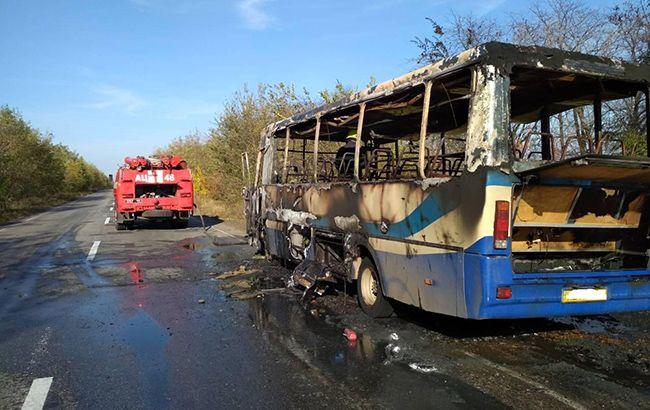 В Днепропетровской обл. на ходу загорелся пассажирский автобус