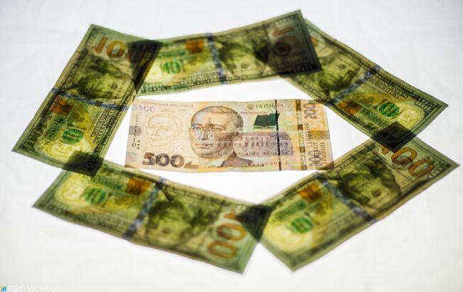 Долар піднявся вище 25 гривень вперше за три місяці