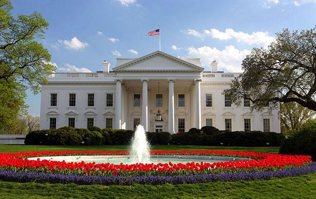 Белый дом поддерживает санкции против РФ — секретарь Трампа