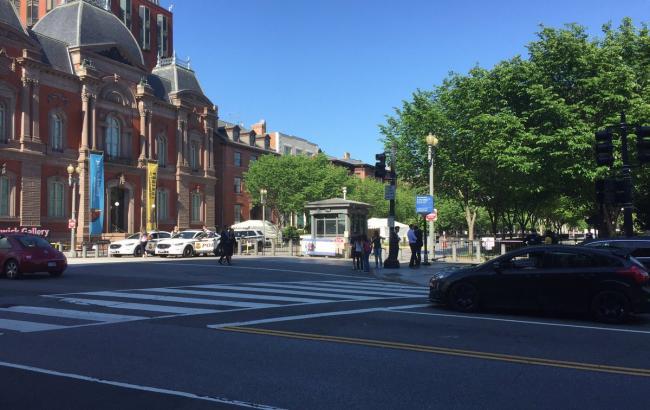 Фото: мужчина пытался проникнуть в Белый дом у Северно-Западных ворот