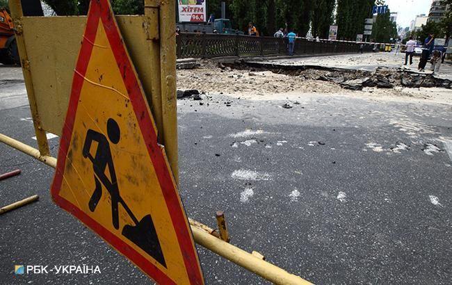 В Киеве в связи с реконструкцией Парковой дороги закроют движение транспорта