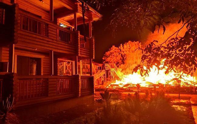 Фото: Пожар в Одессе (facebook.com/ВероникаДрагун)