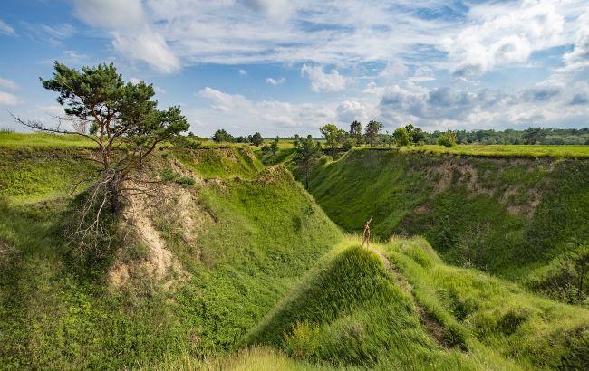 Острова посреди Днепра и камерная пещера: лучшие локации для уикенда на Киевщине