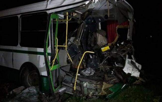 Детали трагедии армейского БТР иавтобуса наДонбассе