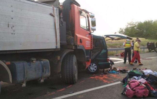 В Угорщині румунський автобус зіткнувся з вантажівкою, 9 загиблих