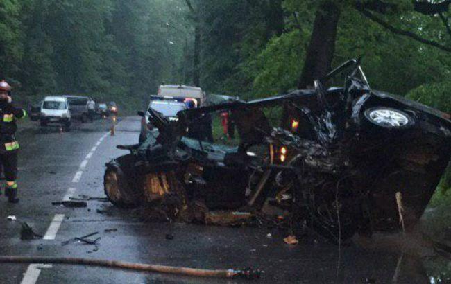 У Львівській обл. в результаті аварії на дорозі загинули 2 людини