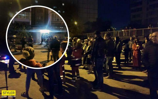 Под Киевом мужчина поджег дверь квартиры бывшей жены, но его настигла карма