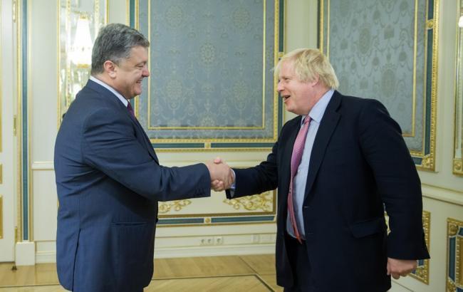 Фото: Петр Порошенко встретился с Борисом Джонсоном в Киеве