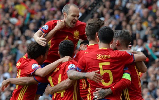 Фото онлайн: Испания - Турция