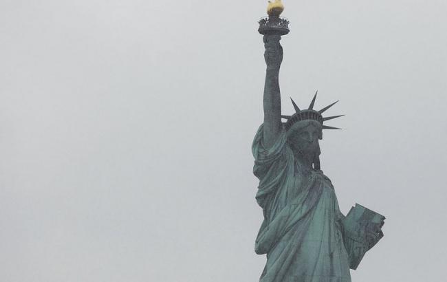 Неменее 3 тыс. человек эвакуировали из-за пожара близ статуи Свободы
