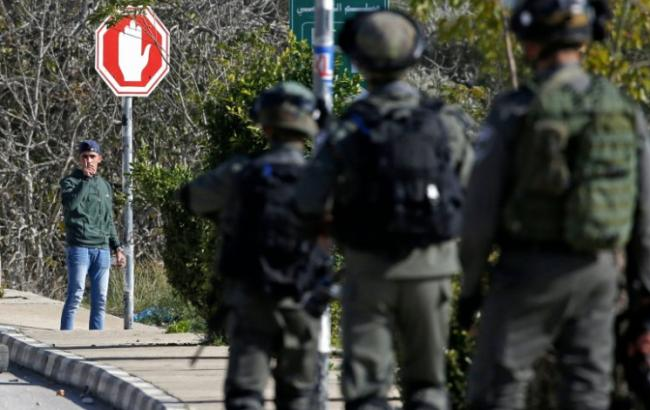 На Западном берегу Иордана военные Израиля пришли с обыском в палестинское СМИ