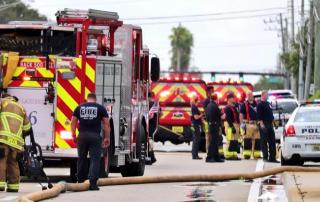 Во Флориде на здание центра терапии для детей упал самолет, есть жертвы