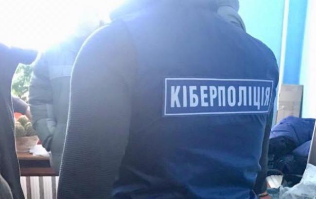 Жителя Хмельницкого уличили в использовании баз госучреждений