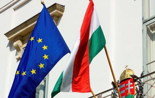 «Остановим Брюссель»— вВенгрии проводят опрос населения