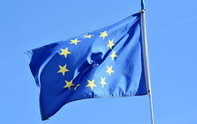 Грузия вводит штрафы за повреждение флагов ЕС и других стран