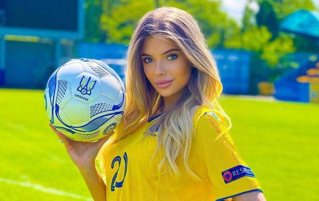 Топ гарячих фанаток збірної України: з такою підтримкою не можна програвати!