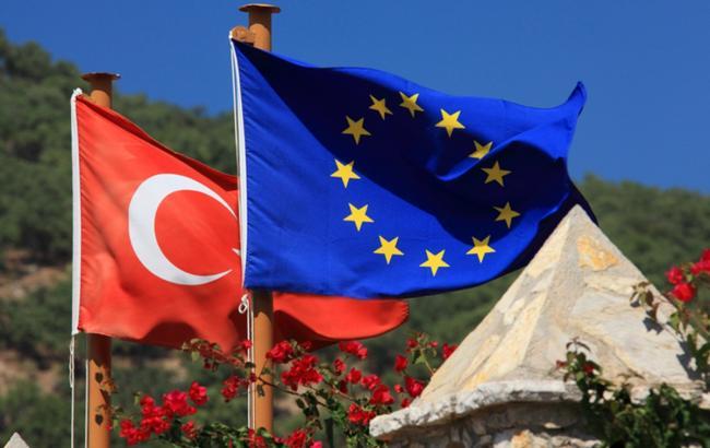 ЕСиСовет Европы напомнили Турции оКонвенции поправам человека