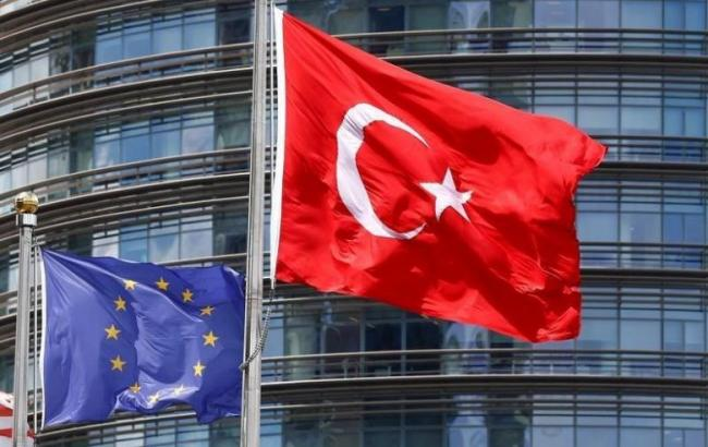 Фото: Туреччина може відмовитися від прийому біженців