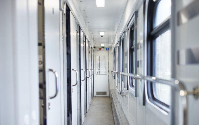"""В Львове """"забыли"""" пассажиров поезда в Киев: """"УЗ"""" проведет служебную проверку"""