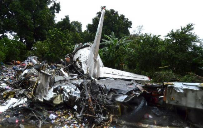 Фото: место крушения самолета Ан-12 в Южном Судане