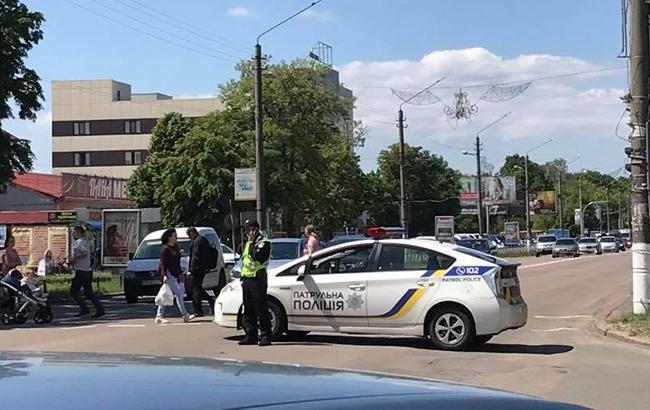 Під Києвом автобус збив двох дітей, є загибла