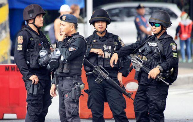 Президент Філіппін дозволив стріляти по порушникам карантину