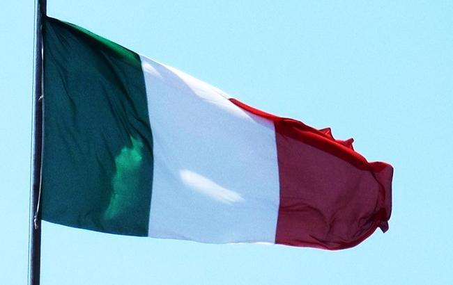 На виборах в Італії лідирує правоцентристська коаліція Берлусконі, - екзит-поли