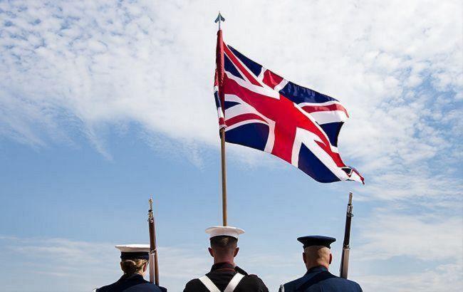 Великобритания направила в Индию первую партию аппаратов ИВЛ и кислородных концентраторов