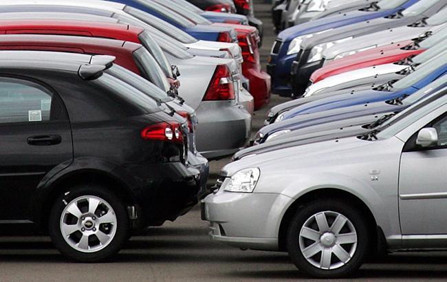 Українці почали віддавати перевагу підтриманих автомобілів (фото: УНІАН)