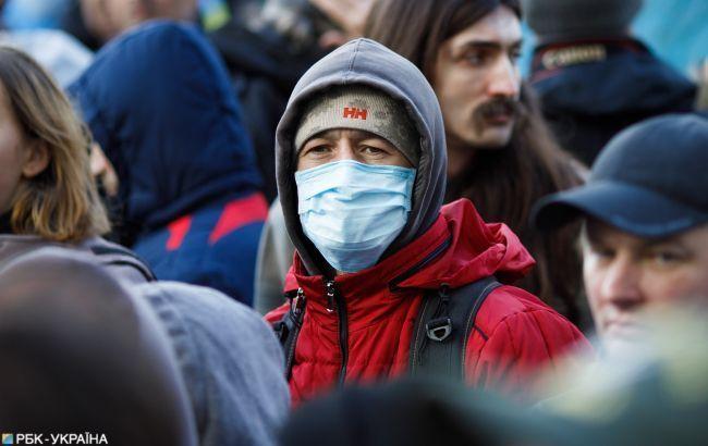 У понеділок зафіксованорекордно низький відсоток українців,які захворіли на СOVID-19