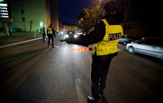 Милиция применила слезоточивый газ— Беспорядки встолице франции