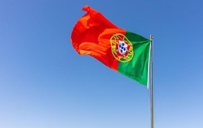 Португалия вводит обязательный карантин для непривитых британцев