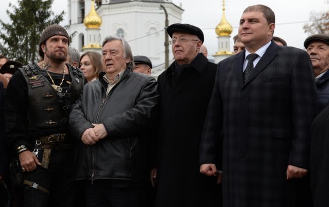 Фото: Открытие памятника в Орле (novayagazeta.ru)