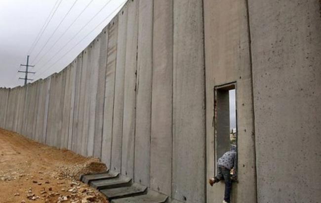 Фото: в Ізраїлі будують підземний паркан на кордоні з Газою