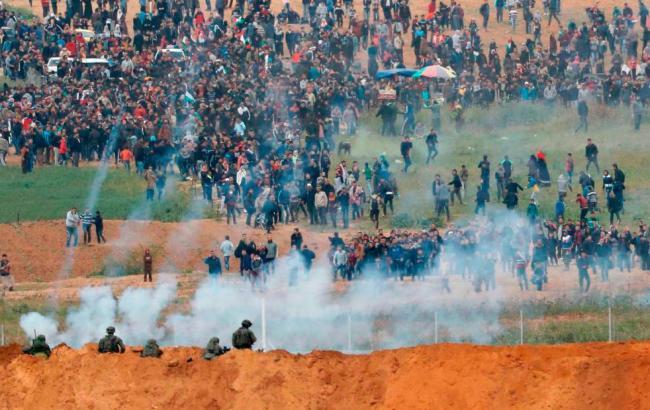 Награнице сектора Газа встолкновениях пострадало 36 палестинцев