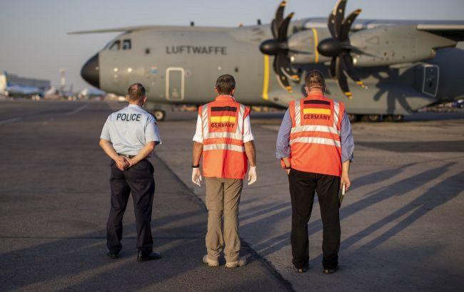 """США заявили про """"значну загрозу"""" для літаків, що вилітають з аеропорту Кабула"""