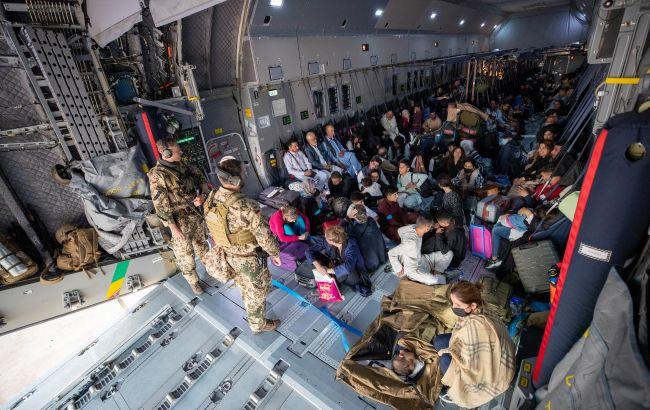 Украина эвакуировала из Афганистана еще около 400 человек