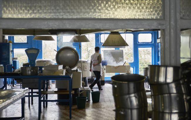 После массового отравления в Хмельницком проверят все школы области