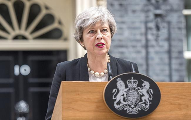 """Мей назвала наїзд фургона біля мечеті в Лондоні """"потенційним терактом"""""""