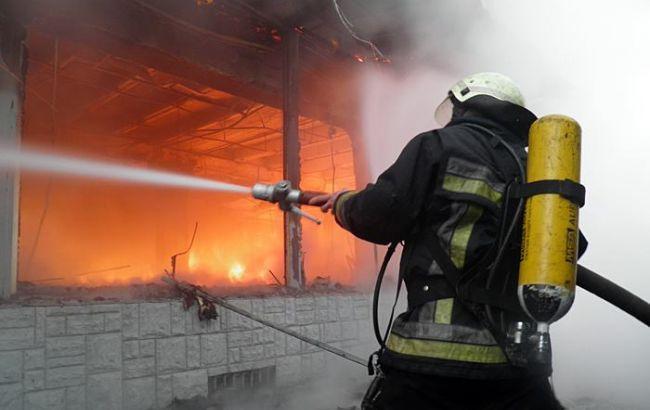 Фото: у Києві на Оболоні сталася пожежа