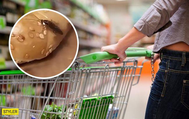 Это норма: в Киеве в супермаркете продавец объяснил покупателям тараканьи бега по продуктам (видео)