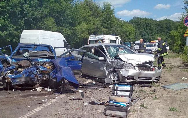 В Хмельницкой обл. столкнулись автомобили, есть погибший и пострадавшие