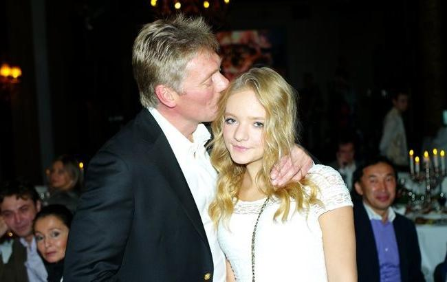 Фото: пресс-секретарь президента РФ Дмитрий Песков и его дочь Лиза (svopi.ru)