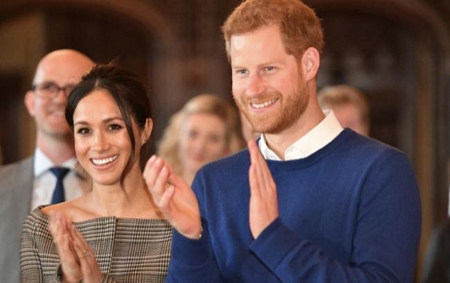 Фото: Принц Гарри с невестой (twitter.com/KensingtonRoyal)
