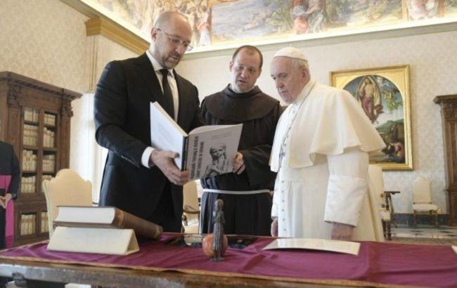 Шмыгаль встретился с Папой Римским в Ватикане: говорили о ситуации на Донбассе