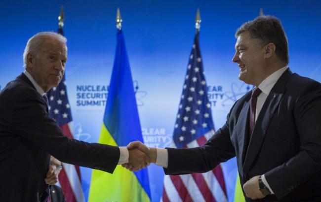 Порошенко и Байден согласились с необходимостью продления санкций против РФ