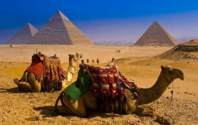 Фото: Египетские пирамиды (artfile.ru)